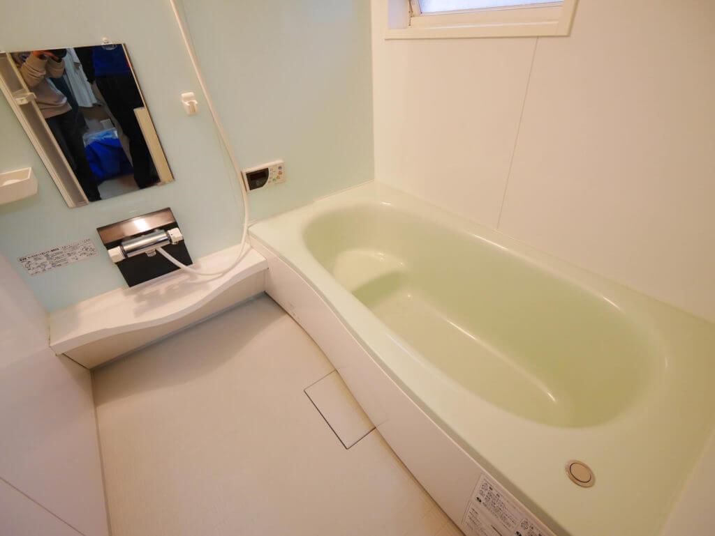 浴室コーティング・コーティング剤を塗った後は硬化させる