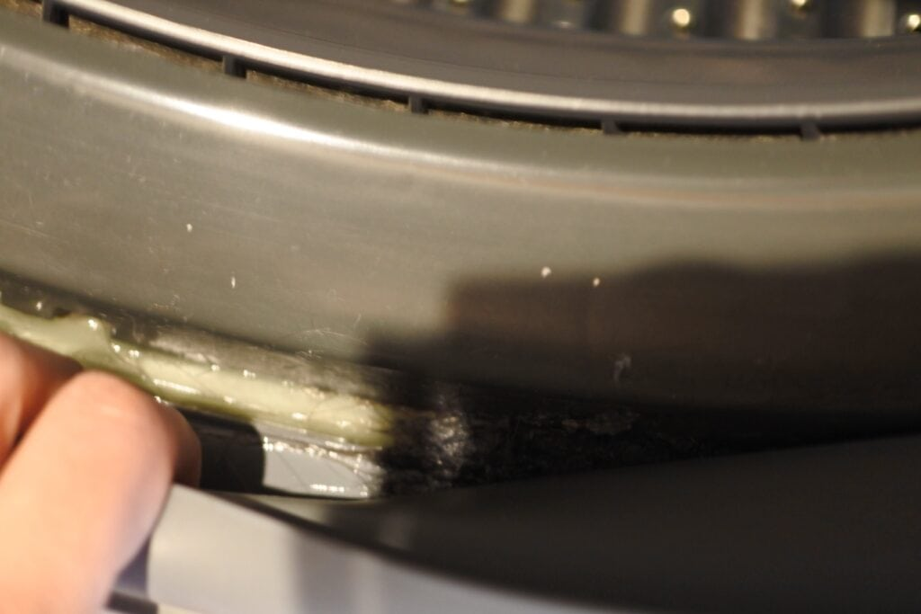 ドラム式洗濯機クリーニング前のパッキン部分