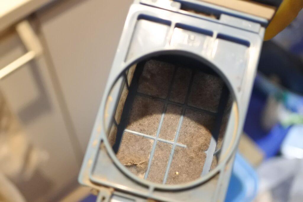 洗濯機クリーニング前の乾燥機フィルター