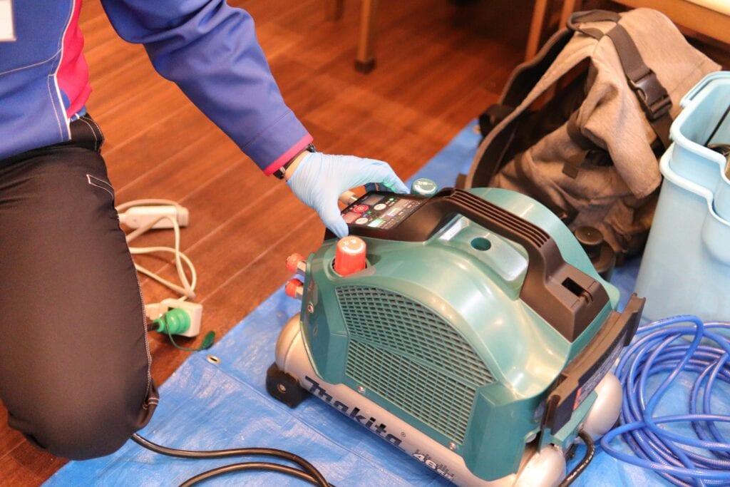 光触媒抗菌コーティングに使うコンプレッサー