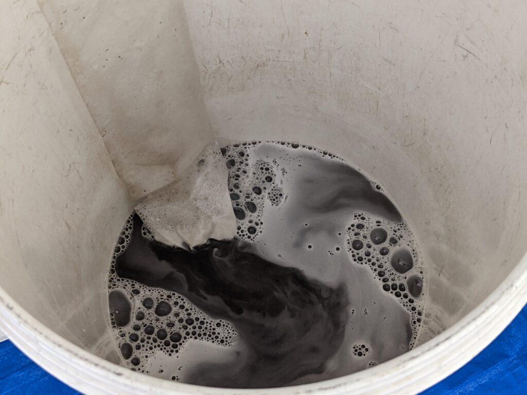 カジタクのエアコンクリーニングで出てきた汚水